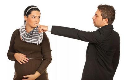 Уголовная ответственность за увольнение беременной женщины