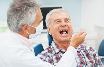 Есть ли льготы пенсионерам на протезирование зубов