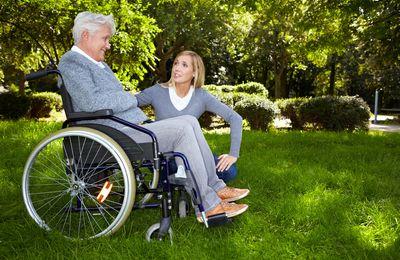 Сколько получает ухаживающий за инвалидом 1 группы