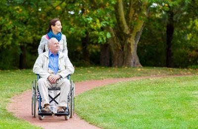 Как помочь инвалиду получать пенсию по старости