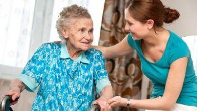 Photo of Cоциальные работники для пенсионеров: кому положены в 2020 году, можно ли получить бесплатно